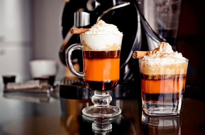 кофе с шоколадом и карамелью