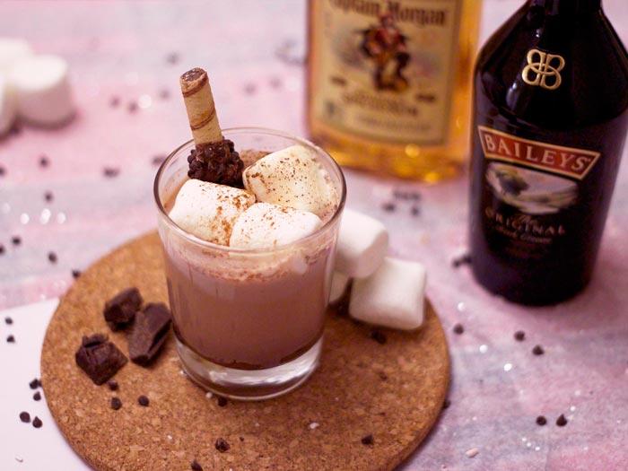 шоколадный кофе с ликером