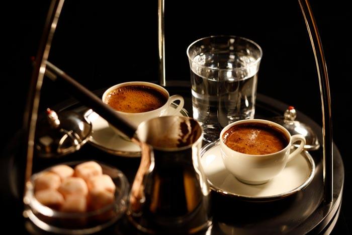 йеменский кофе в чашках