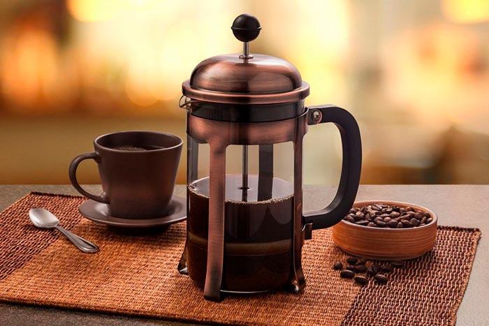 кофе во френч прессе