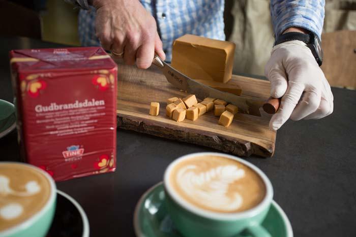 кофе и сыр